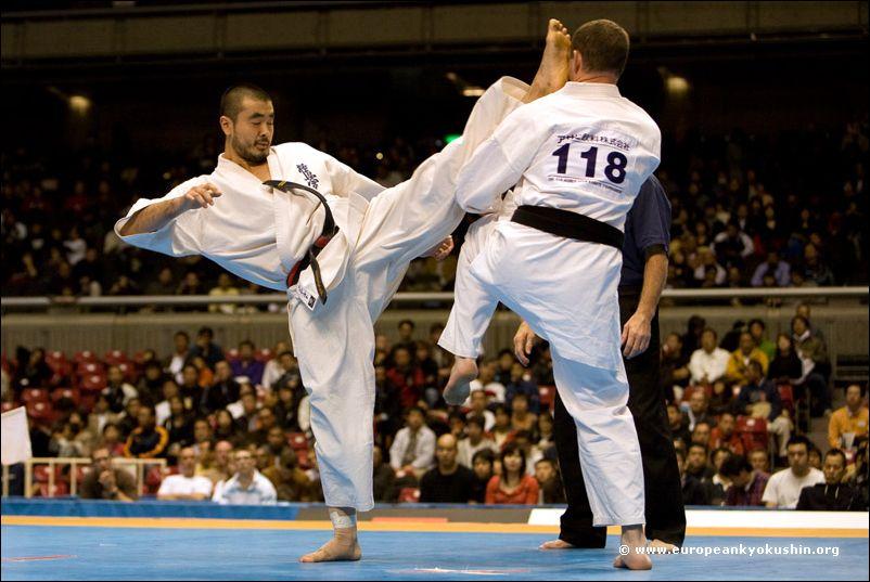 Tanaka (Brazil) vs<br>kakato-otoshi-geri
